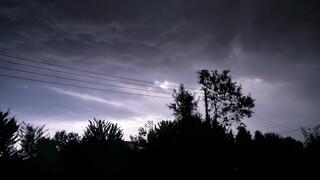 Έκτακτο δελτίο επιδείνωσης του καιρού για την Κυριακή: Έρχονται ισχυρές βροχές και καταιγίδες