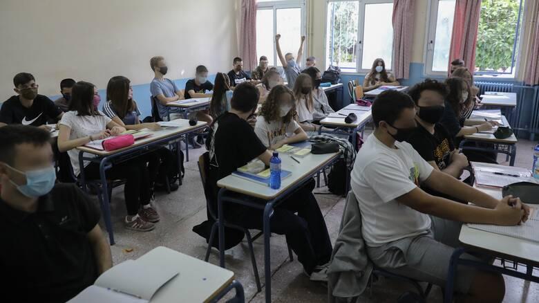 ΣΥΡΙΖΑ για άνοιγμα σχολείων: Ο κ. Μητσοτάκης ζει στο γυάλινο πύργο του