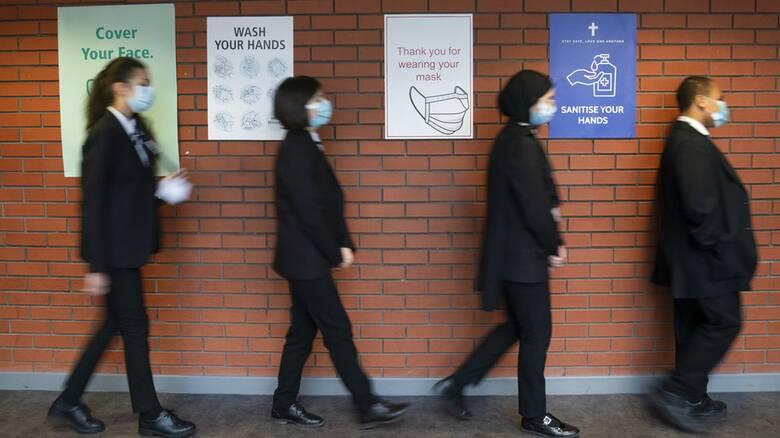 Κορωνοϊός - Βρετανία: Άρση μέτρων αναμένεται να ανακοινώσει ο Τζόνσον