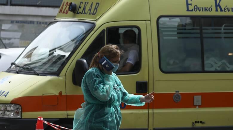 Πόρτο Χέλι: Όχημα έπεσε στη θάλασσα - Στο νοσοκομείο ο οδηγός