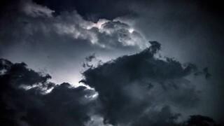 Καιρός: Βροχές και καταιγίδες τη Δευτέρα - Ανησυχία για την Εύβοια