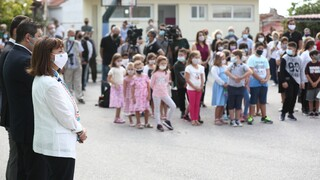 Σακελλαροπούλου: Στο δημοτικό Αγίας Άννας στην Εύβοια για τον αγιασμό
