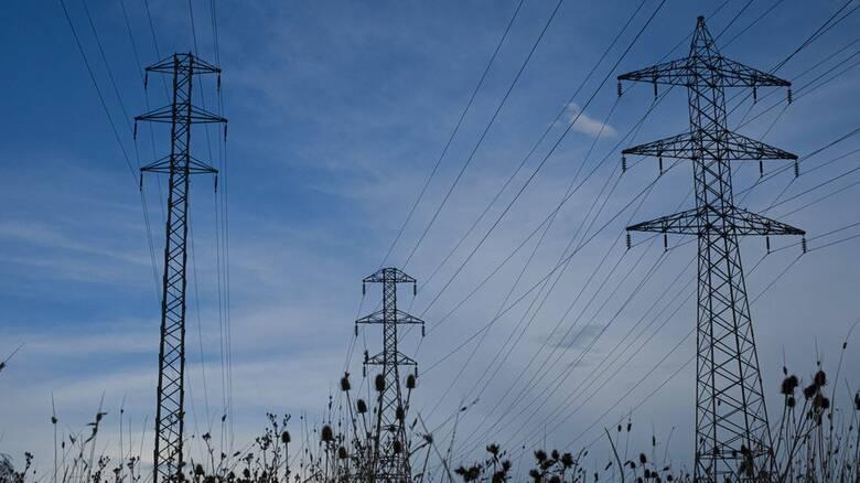 Ευρωπαϊκό κύμα αυξήσεων στο ηλεκτρικό ρεύμα: Κυβερνητικές παρεμβάσεις σε Ισπανία και Ιταλία