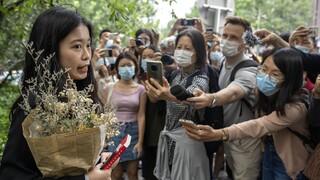 Πλήγμα για το κίνημα #MeToo στην Κίνα: Απαλλάχθηκε παρουσιαστής για υπόθεση σεξουαλικής παρενόχλησης