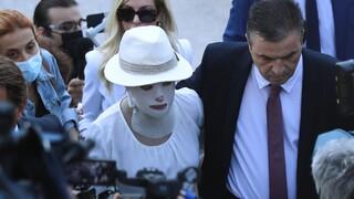 Δίκη για επίθεση με βιτριόλι - Ιωάννα για την κατηγορούμενη: «Απέδειξε ξανά πόσο δειλή είναι»