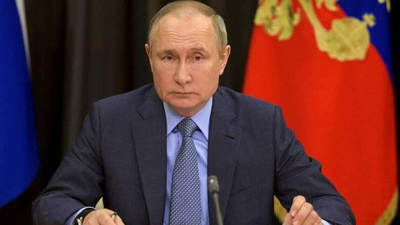 Ρωσία: Μία εβδομάδα αυτοαπομόνωσης επαρκεί για τον Πούτιν