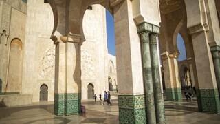 Πότε «εφευρέθηκαν» τα ρούχα; Ένα σπήλαιο στο Μαρόκο ρίχνει φως