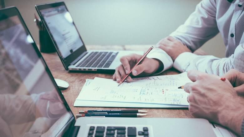 Οι υπηρεσίες που είναι διαθέσιμες στο «myAADE» για επαγγελματίες και επιχειρήσεις