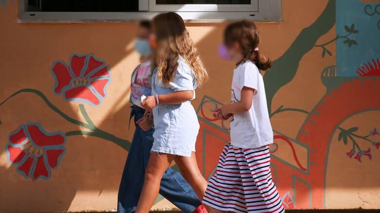 Σύψας: Όλα τα παιδιά θα νοσήσουν αργά ή γρήγορα αν δεν εμβολιαστούν