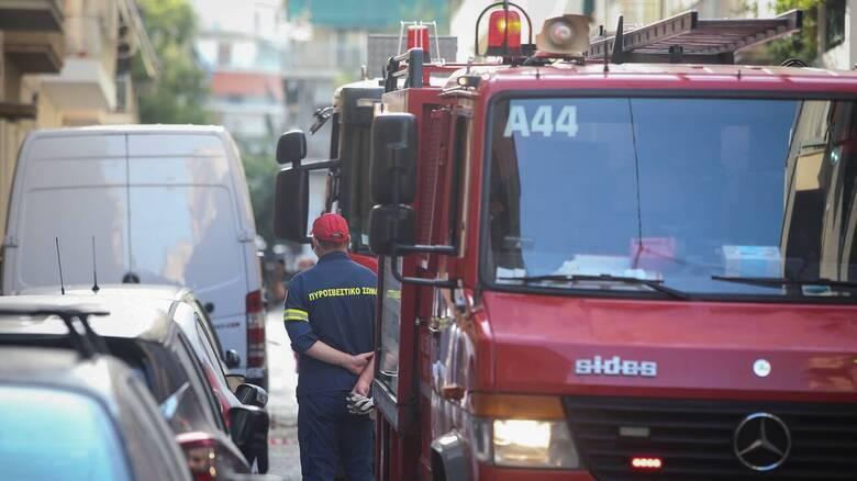 Φωτιά στα Άνω Πατήσια: Στις φλόγες τυλίχθηκε διαμέρισμα τετάρτου ορόφου