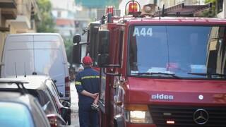 Φωτιά στα Άνω Πατήσια: Στις φλόγες τυλίχθηκε σπίτι στην περιοχή