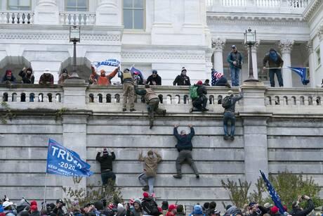 ΗΠΑ: Φόβοι για βίαια επεισόδια στην αυριανή πορεία υποστηρικτών του Τραμπ στην Ουάσινγκτον