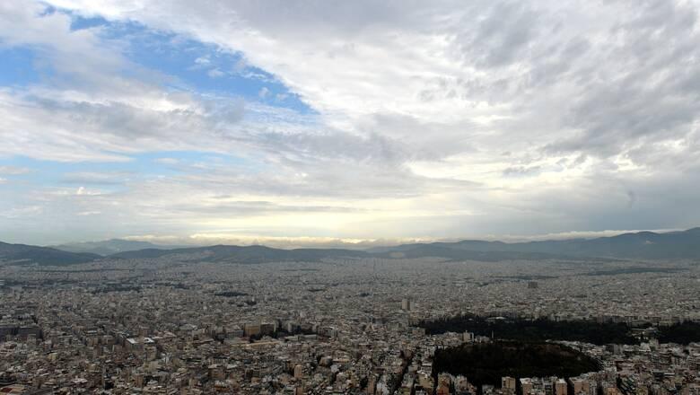 Καιρός: Αστάθεια με τοπικές βροχές και υψηλές θερμοκρασίες