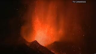 Έκρηξη ηφαιστείου στην Λα Πάλμα: Πυκνός καπνός και λάβα, εκκενώνονται κοινότητες