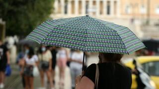 Καιρός: Βροχές και καταιγίδες έρχονται το βράδυ της Τρίτης
