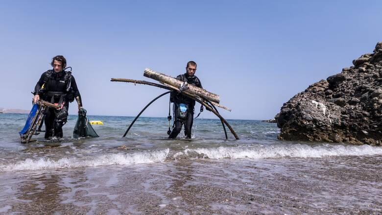 Το Dixan «καθάρισε σε βάθος» την παραλία Ανάλουκας από 1,4 τόνους απορριμμάτων!