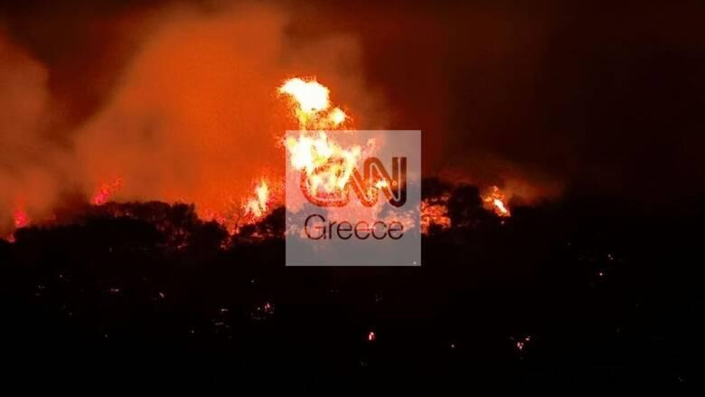 Οριοθετημένη η φωτιά Νέα Μάκρη: Μάχη με πολλές διάσπαρτες εστίες