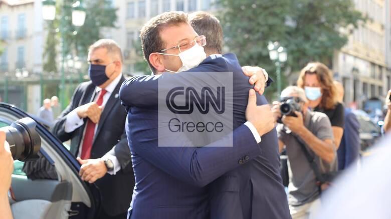 Στην Αθήνα ο Ιμάμογλου: «Μοναδική λύση η φιλία» - Θερμές συναντήσεις με Μπακογιάννη, Μητσοτάκη