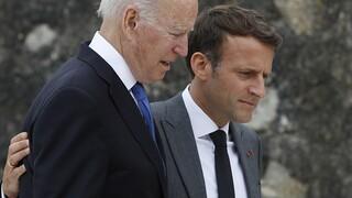 Παρίσι: Η επικείμενη συνομιλία Μακρόν-Μπάιντεν αφορά διευκρινήσεις, όχι συμφιλίωση