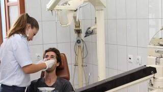 Διευκρινίσεις του υπουργείου Υγείας για το πώς θα προσέρχονται οι ασθενείς στα οδοντιατρεία