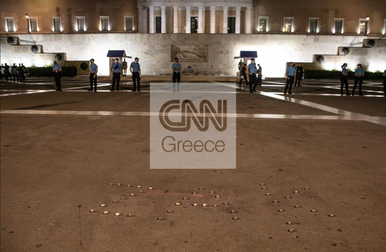 https://cdn.cnngreece.gr/media/news/2021/09/21/282415/photos/snapshot/zakk10.jpg
