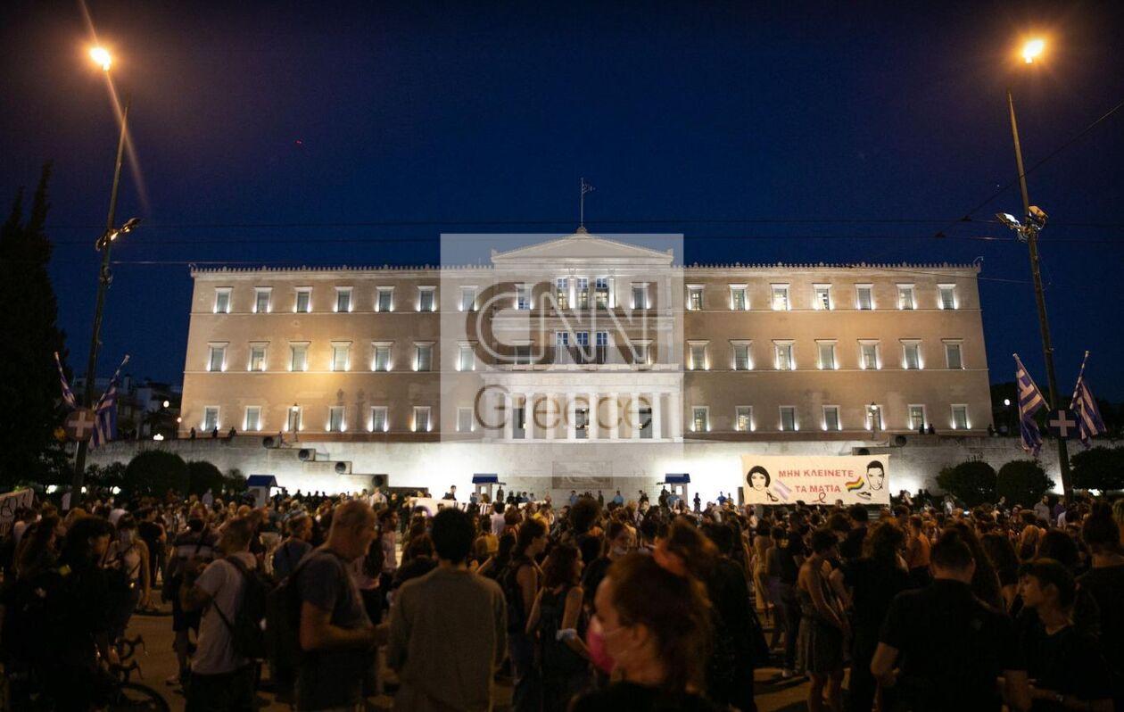 https://cdn.cnngreece.gr/media/news/2021/09/21/282415/photos/snapshot/zakk9.jpg