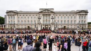 Θα γίνει Μουσείο το παλάτι του Μπάκιγχαμ; Ο Κάρολος θέλει, η Ελισσάβετ διαφωνεί
