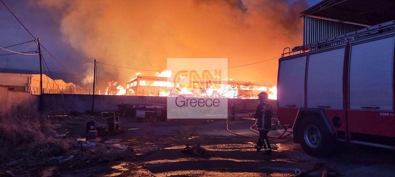 https://cdn.cnngreece.gr/media/news/2021/09/22/282452/photos/snapshot/fotia-aspropyrgos-4.jpg