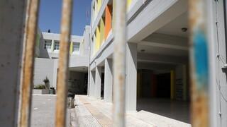 Σοβαρός τραυματισμός 17χρονου σε υπό κατάληψη σχολείο από έκρηξη κροτίδας