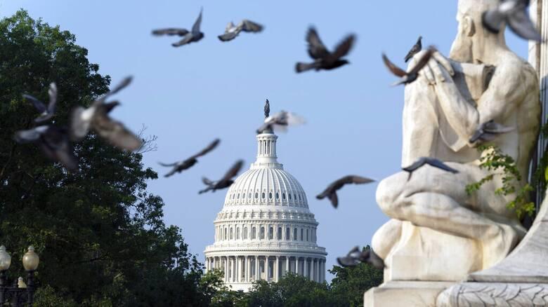 ΗΠΑ: «Απειλεί» την κοινωνική ατζέντα Μπάιντεν η διάσταση απόψεων στους Δημοκρατικούς