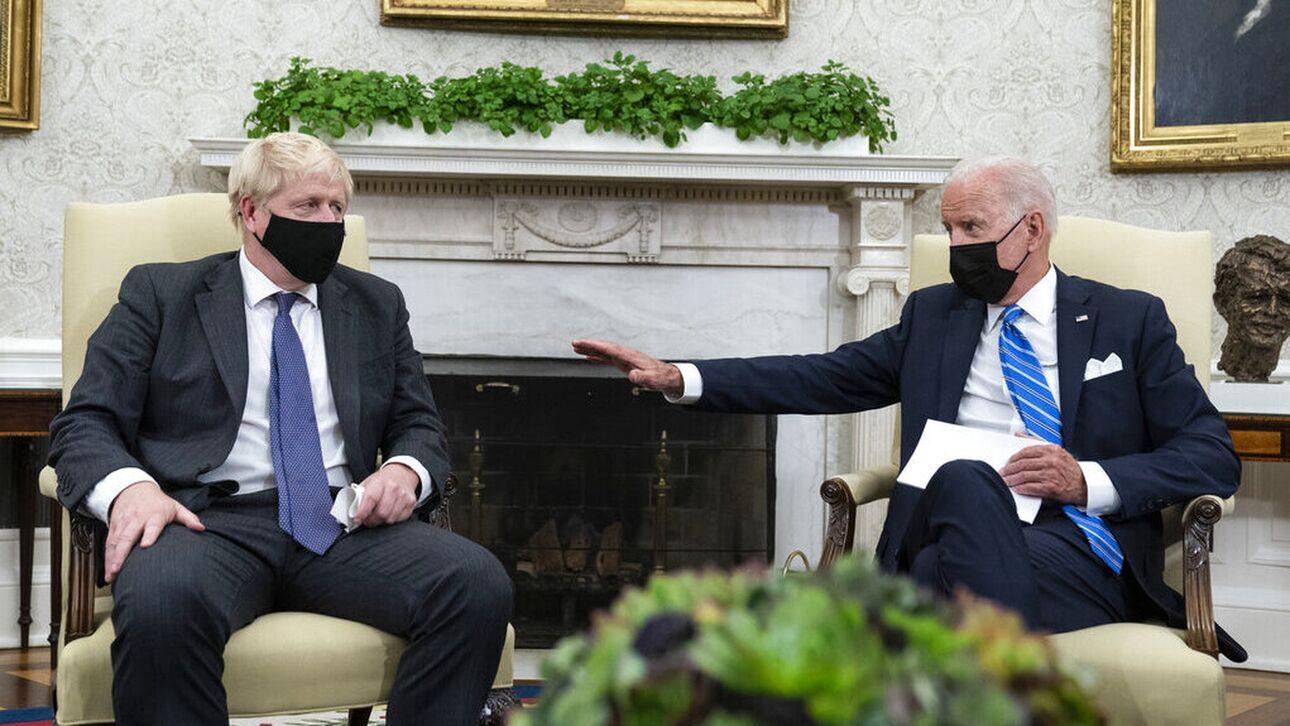 «Αδειάζει» τον Τζόνσον ο Μπάιντεν – Στον «πάγο» εμπορική συμφωνία ΗΠΑ-Βρετανίας