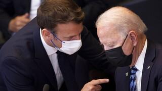 AUKUS: Ανακωχή Μακρόν-Μπάιντεν - Επιστρέφει ο Γάλλος πρεσβευτής
