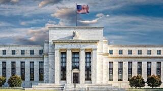 Fed: Ξεκινά το tapering - Προς αύξηση επιτοκίων το 2022