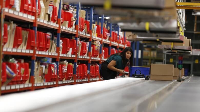 Για πρώτη φορά στις ΗΠΑ νομοθεσία για την προστασία των εργαζομένων σε αποθήκες