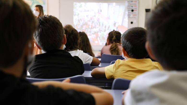 Σαρηγιάννης: Θα διαπλασιαστούν τα κρούσματα στα παιδιά - Συναγερμός για τη Βόρεια Ελλάδα