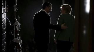 Deutsche Welle: Ο Αλέξης Τσίπρας αποχαιρετά την Άγκελα Μέρκελ