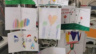 Ατύχημα καρτ: Στιγμές συγκίνησης στη ΜΕΘ του Ρίου - Τα δώρα από τους συμμαθητές του είδε ο 6χρονος