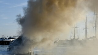 Κάρυστος: Φωτιά σε ιστιοφόρο - Στο νοσοκομείο τέσσερα άτομα