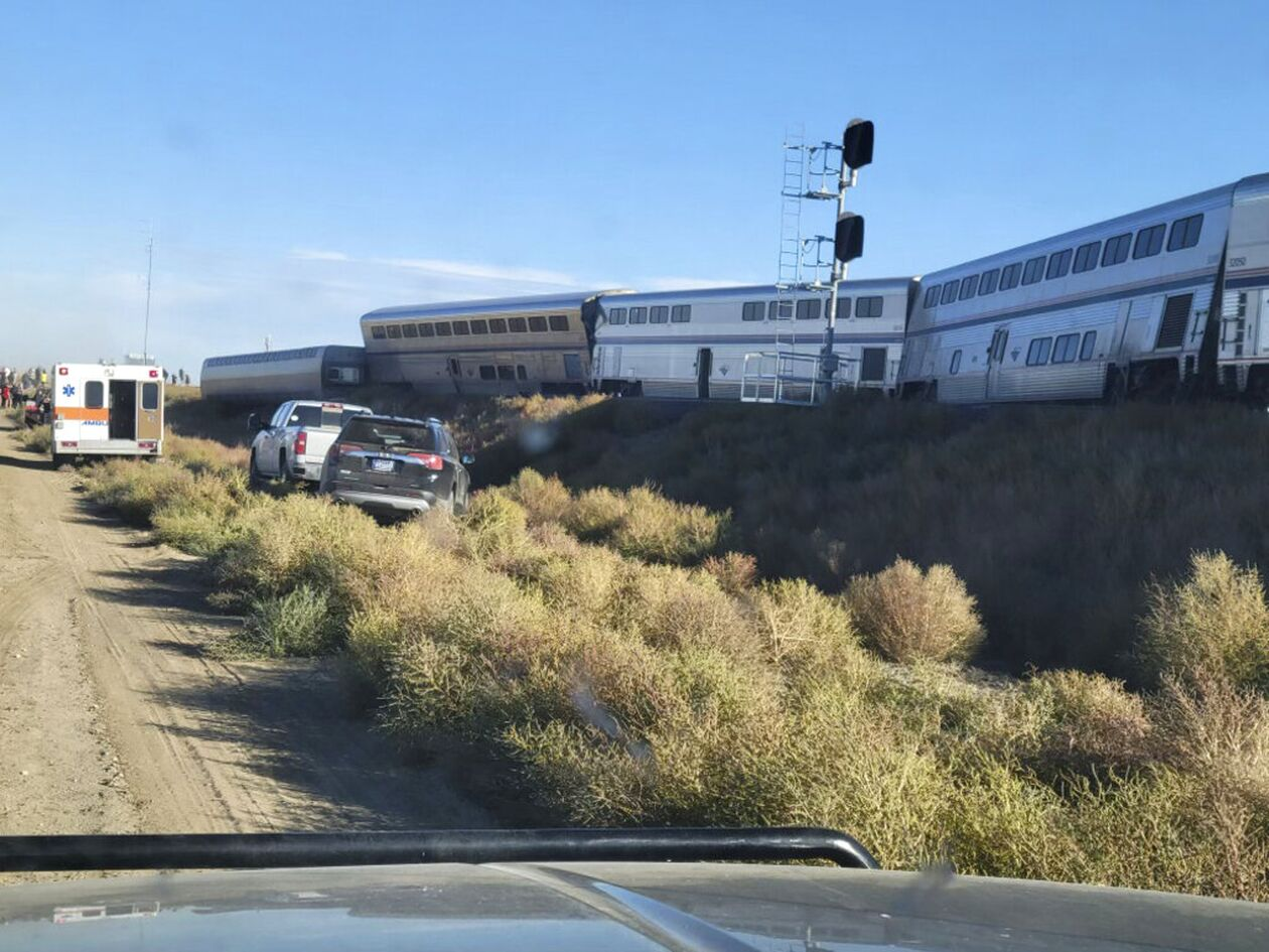 https://cdn.cnngreece.gr/media/news/2021/09/26/282967/photos/snapshot/montana-treno-2.jpg