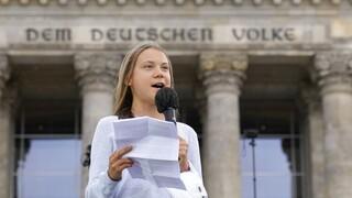 Στη Γερμανία η Γκρέτα Τούνμπεργκ: Ετοιμάζει κινητοποιήσεις για το κλίμα μετά τις εκλογές