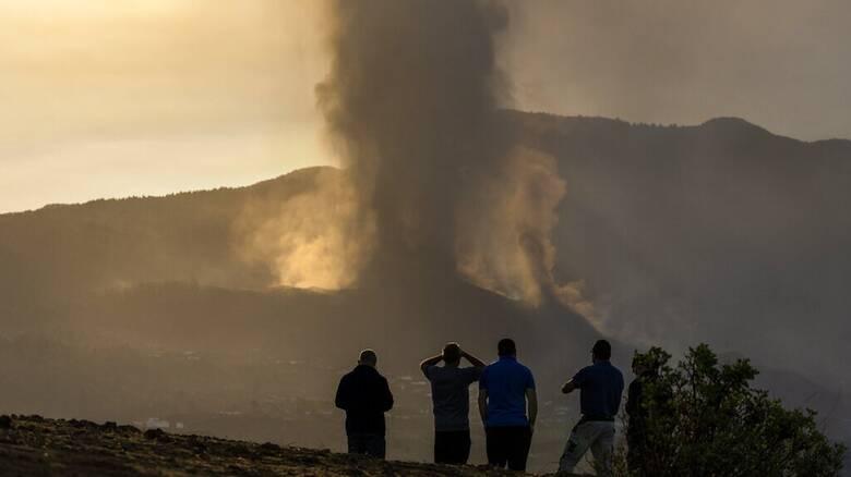 Ισπανία-ηφαίστειο: Άνοιξε ξανά το αεροδρόμιο της Λα Πάλμα