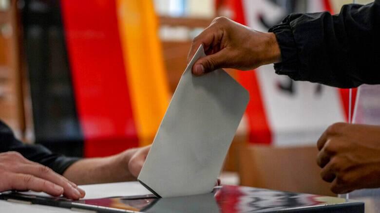 Εκλογές Γερμανία - Exit Poll: Μάχη «στήθος με στήθος» Σοσιαλδημοκρατών και Χριστιανοδημοκρατών