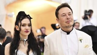 Έλον Μασκ και Grimes δηλώνουν «ημι-χωρισμένοι» αλλά αγαπιούνται ακόμη