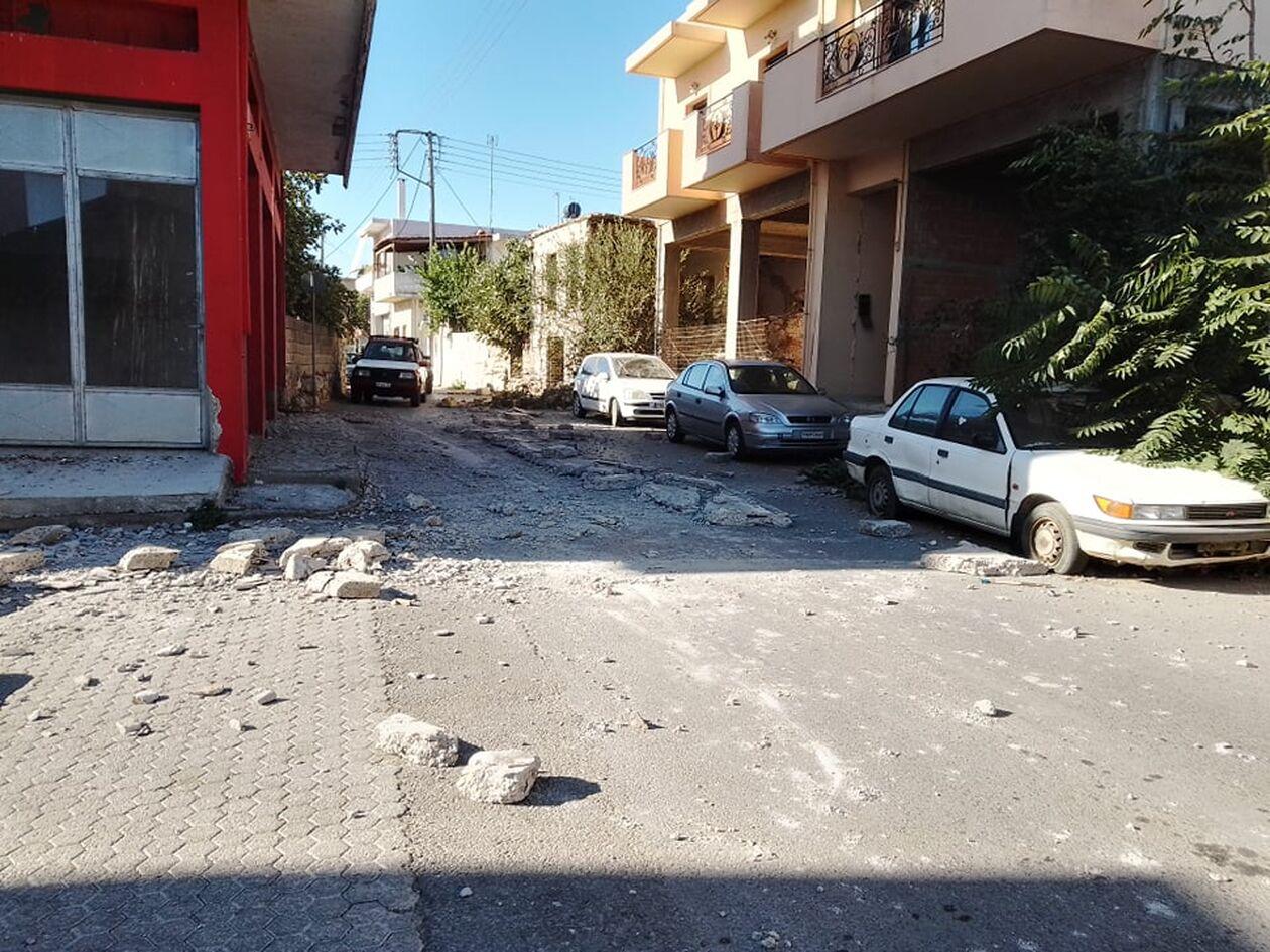 https://cdn.cnngreece.gr/media/news/2021/09/27/283080/photos/snapshot/seismow-kriti-2.jpg