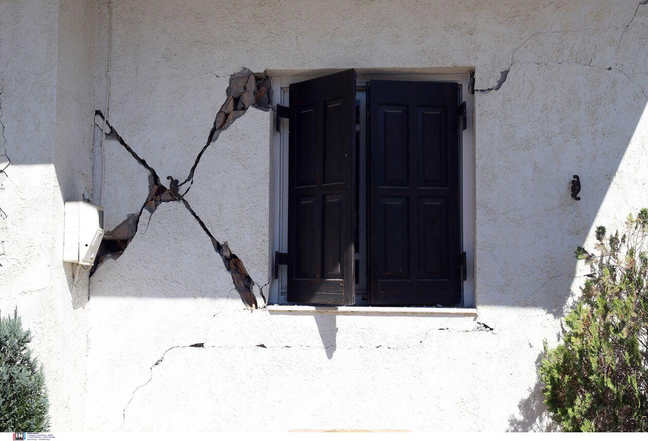 https://cdn.cnngreece.gr/media/news/2021/09/27/283086/photos/snapshot/seismos-arkalohori-3273710-1.jpg