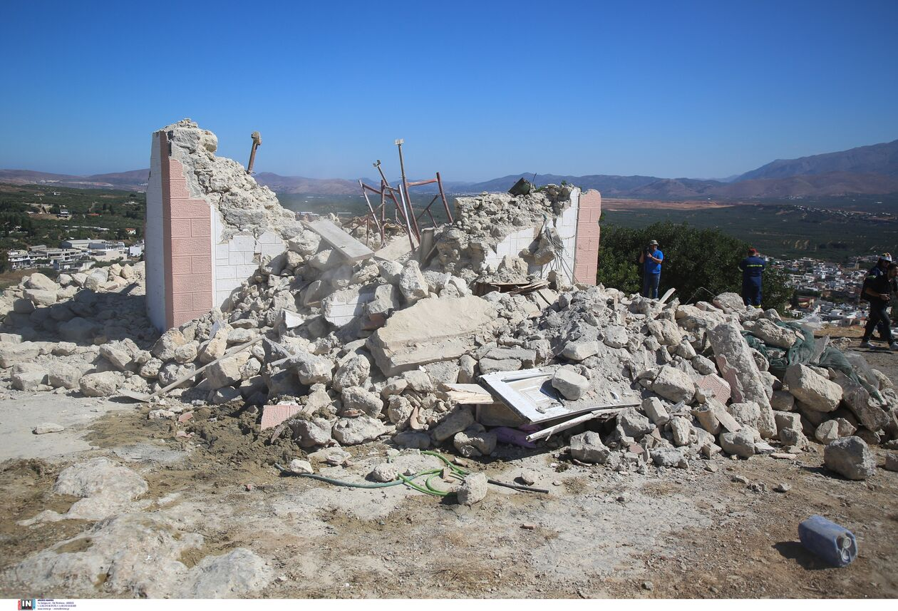 https://cdn.cnngreece.gr/media/news/2021/09/27/283110/photos/snapshot/seismos-arkalohori-3273703.jpg