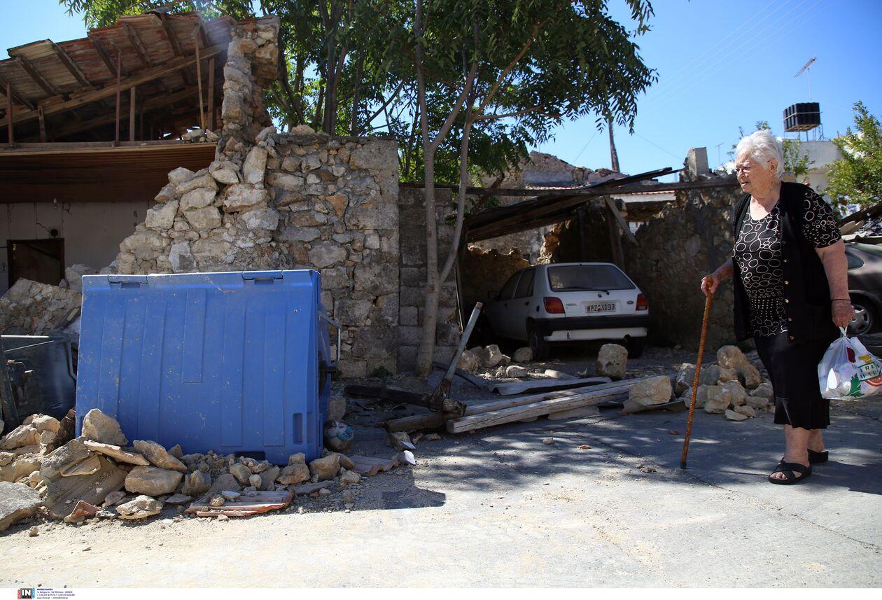 https://cdn.cnngreece.gr/media/news/2021/09/27/283110/photos/snapshot/seismos-arkalohori-3273706-2.jpg