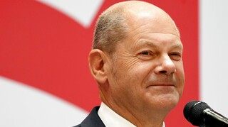 Η Γερμανία είναι «πολιτικά σταθερή» διαβεβαιώνει ο Σολτς καθώς αρχίζει το «πόκερ» για νέα κυβέρνηση