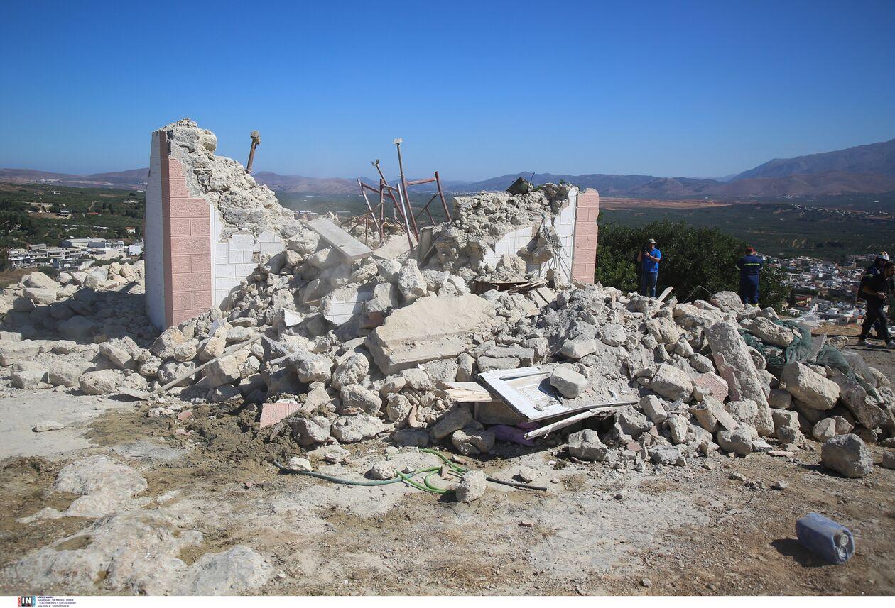 https://cdn.cnngreece.gr/media/news/2021/09/27/283149/photos/snapshot/seismos-arkalohori-3273703.jpg