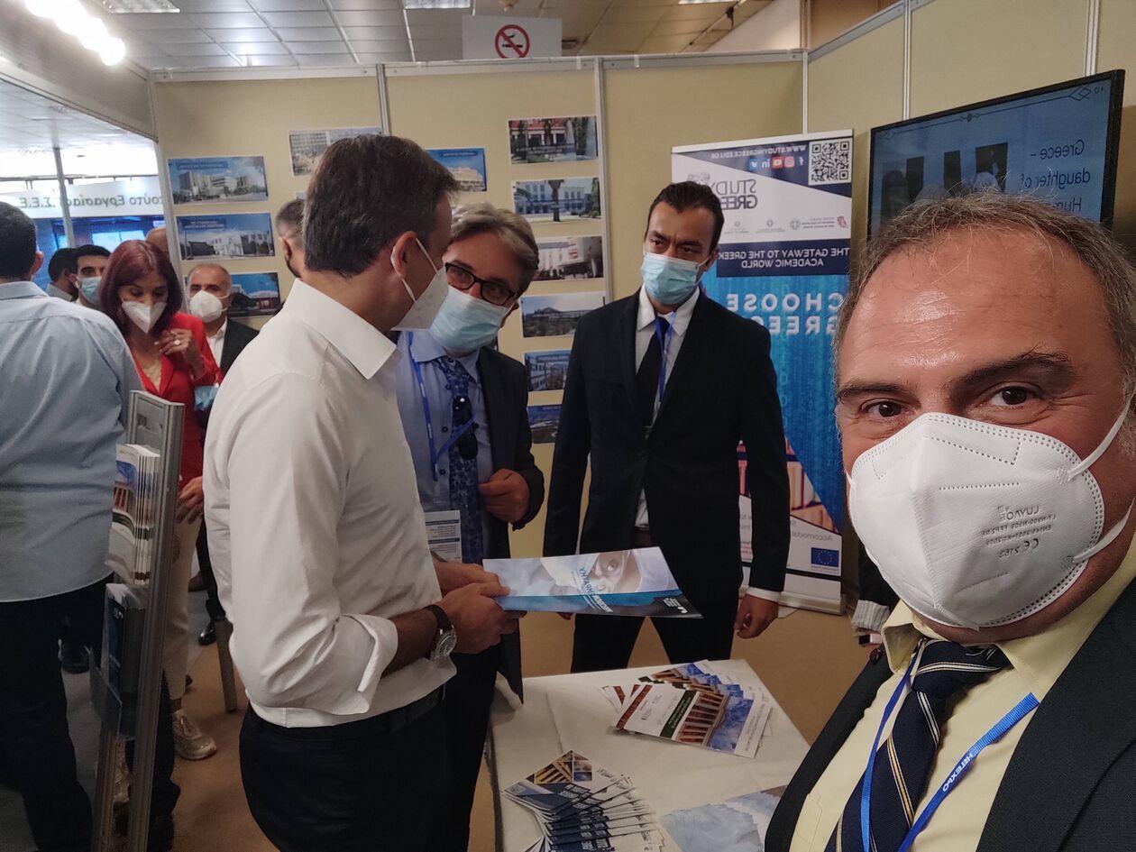 https://cdn.cnngreece.gr/media/news/2021/09/27/283153/photos/snapshot/study-in-greece-FB_IMG_1631470599400-2.jpg.jpg